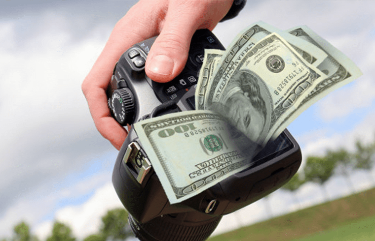 Sell Your Photographs: How to Earn Money Online?